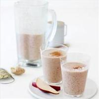 Pear Oat Cinnamon and Ginger Shakes